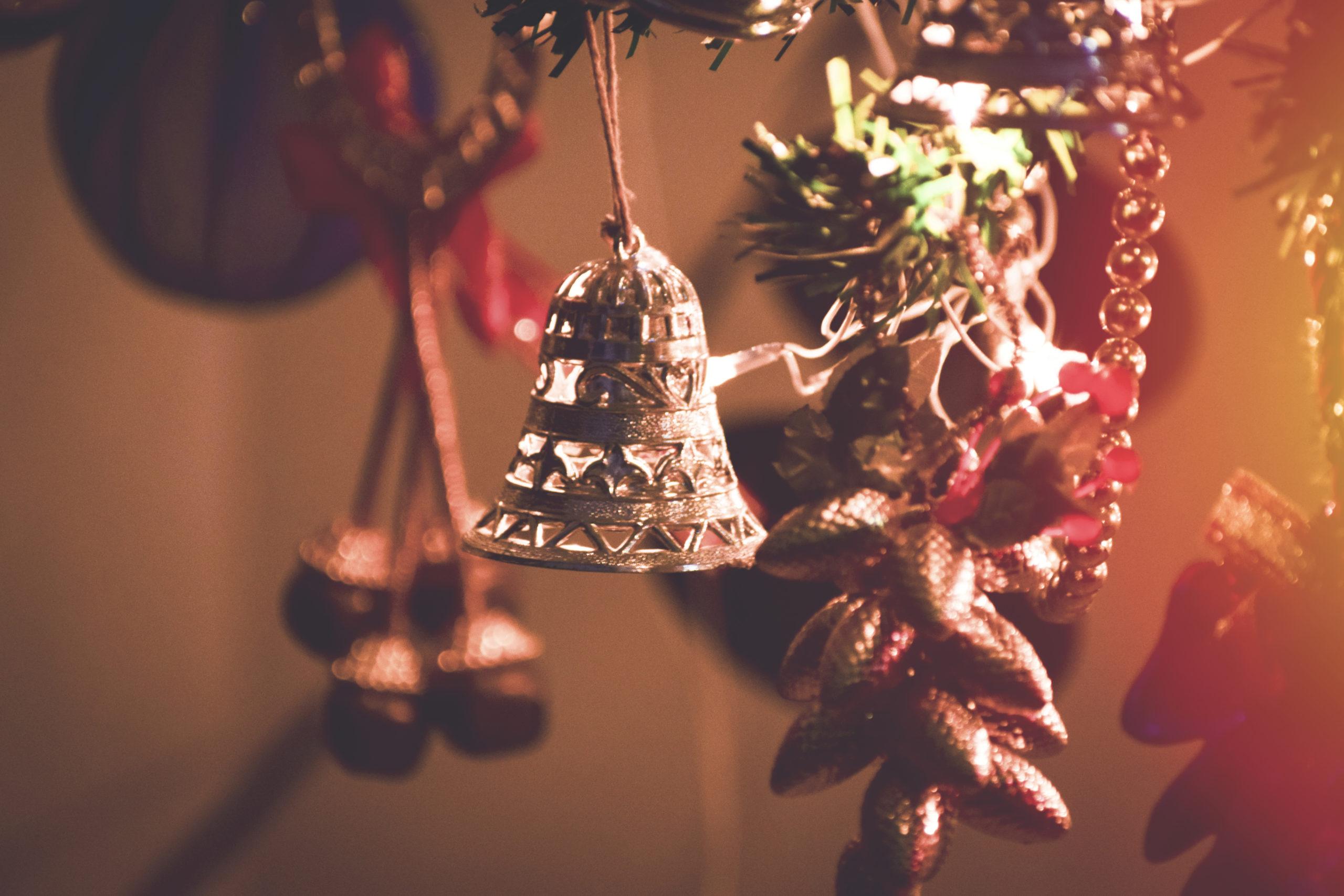 tips para guardar adornos navideños