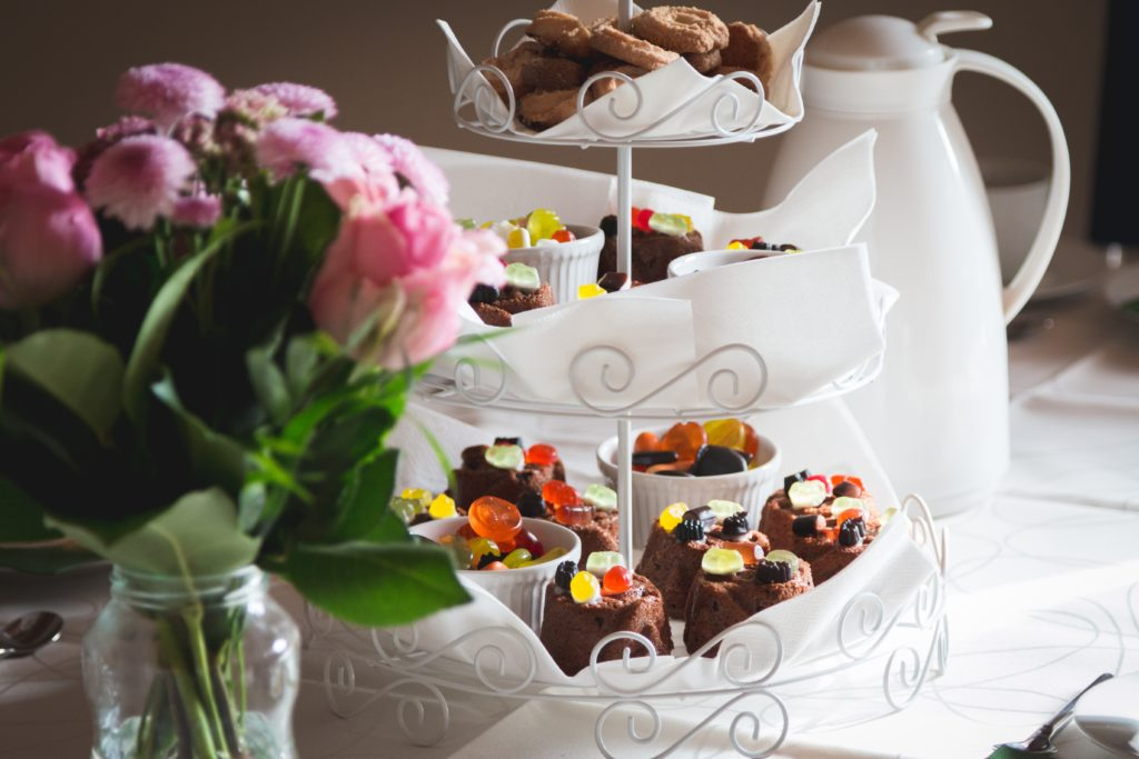 Trucos para decorar catering dulce